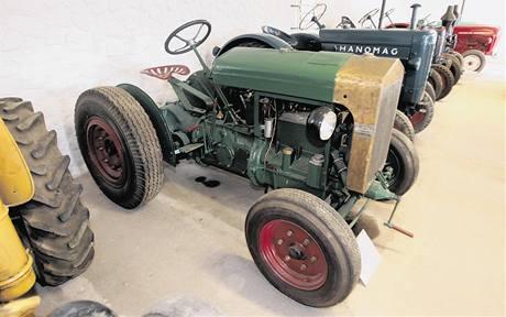 Nejstarší z exponátů Praga AT–22k (1928), vyrobila ho firma Českomoravská Kolben Daněk