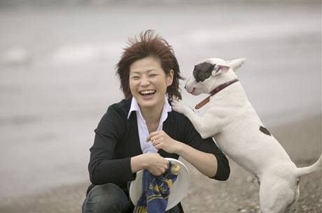 Řada psů projevuje skákáním na člověka radost