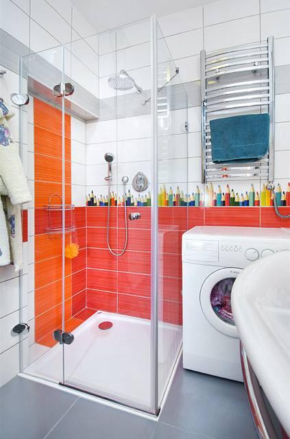 Velký sprchový kout je samozřejmě opět vybaven termostatickou baterií