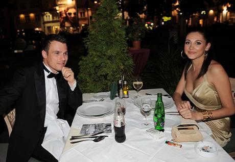 Leoš Mareš a modelka Hana Svobodová přišli na zahájení filmových Varů jako pár