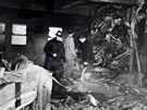 Americký bombardér B-25 narazil v husté mlze do východní části mrakodrapu Empire State Building. (28. července 1945)