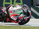 Mistrovství světa superbiků - Ital Max Biaggi ze stáje Aprillia při tréninku.