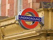 V Londýně nehledejte nápis metro, ale underground.