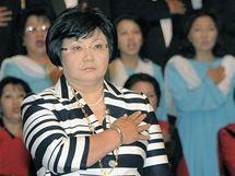 Kyrgyzská politička Roza Otunabejevová byla oficiálně uvedena do prezidentského úřadu (3. 7. 2010)