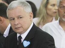 Bratr zesnulého Lecha Kaczynského Jaroslav u voleb (4. července 2010)
