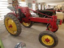 Nastavitelný traktor, který vypadá jako ze stavebnice Merkur: RS–08/18–15k, IFA Shönebeck (1956)