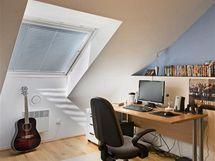 Střešní okna propouštějí do bytu dostatek přirozeného světla