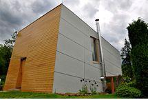 Místní stavební regulace dovoluje maximálně možnou zastavenou plochu 60 metrů čtverečních