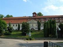 Týnecký zámek