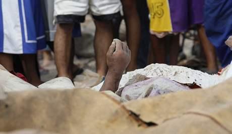 Na Filipínách si tajfin Conson vyžádal 38 lidských životů (15. července 2010)