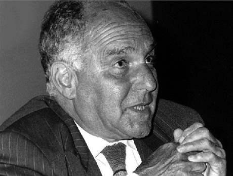 Ernest André Gellner (počeštěně Arnošt Gellner) (9. prosince 1925  Paříž – 5. listopadu 1995  Praha) byl filosof, sociolog  a antropolog světového významu