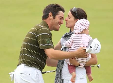 Louis Oosthuizen, vítěz British Open 2010, se raduje se svou rodinou