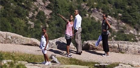 Barack Obama si s rodinou vyrazil na víkend do národního parku Acadia ve státě Maine (16. července 2010)