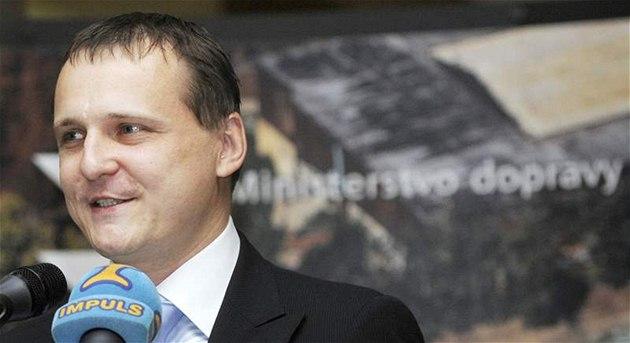 Premiér Petr Ne�as uvedl Víta Bártu (na snímku) do funkce ministra dopravy. (14. �ervence 2010)