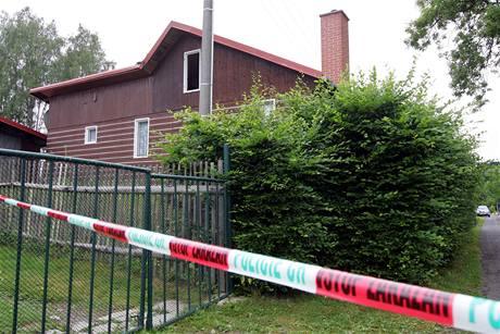 Chata v osadě Kamenná u Aše, kde byla zavražděna 22letá dívka