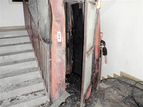 Požár výtahu výškového domu v Kroměříži