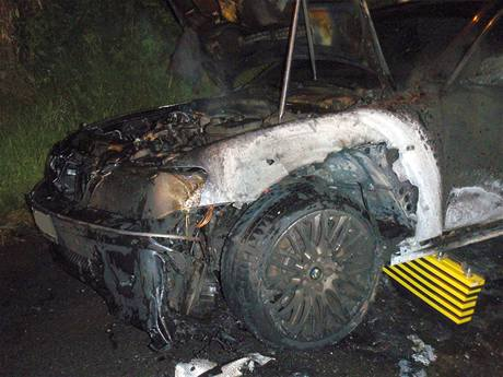 Požár BMW v Želechovicích nad Dřevnicí