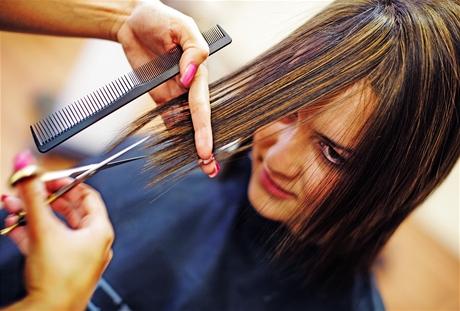 Proměna čtenářky Petry - stříhání vlasů
