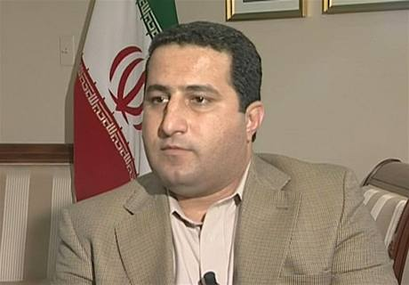 Íránský jaderný vědec Šahram Amírí napákistánské ambasádě v USA (14. července 2010)