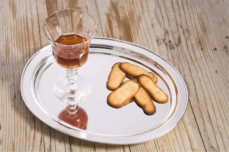 Kočičí jazýčky s dezertním vínem