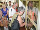 O expozici Muchovy Slovanské epopeje v Moravském Krumlově byl den před jejím uzavřením obrovský zájem (14. červenec 2010)