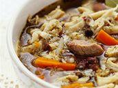 Dršťková polévka s hovězím.