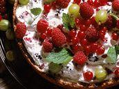 Křehký koláč s letním ovocem