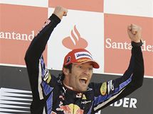 VÝBUCH RADOSTI. Mark Webber z Red Bullu oslavuje své vítězství ve Velké ceně Británie.