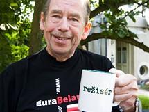 Václav Havel při natáčení svého Odcházení
