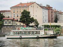 Dopolední provoz na Vltavě