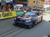 David Coulthard zaplnil s monstrem NASCAR uličky Gröbmingu.