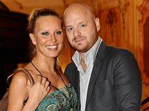 Těhotná Simona Krainová a její partner Karel Vágner