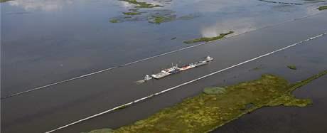 Záběry na Mexický záliv s ropnou skvrnou (28. července 2010)