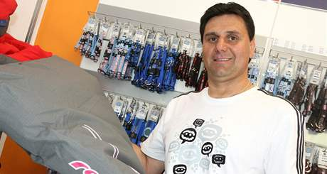 Vladimír Růžička v psím obchodě