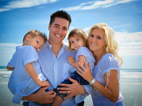 rodinka v modrem