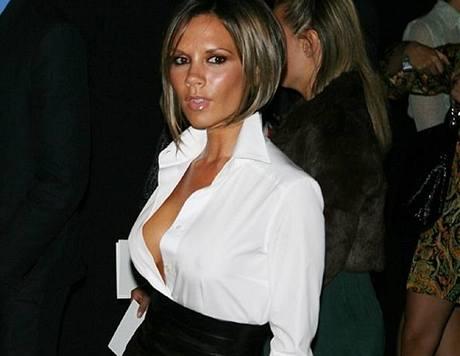 Týden módy v New Yorku - Victoria Beckhamová na přehlídce Marca Jacobse
