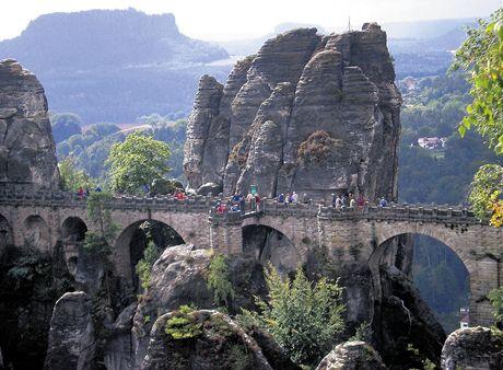 Saské Švýcarsko jako na dlani. Vyhlídky ze skal, které si oblíbil i Karel M