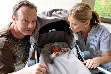 Michal Dvořák s partnerkou Lucií Kvasnicovou a synem Michalem