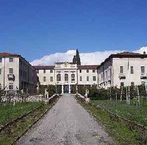 Vila Costanza v obci San Pietro in Cariano, kterou si koupili Angelina Jolie a Brad Pitt