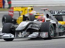 PŘED DOMÁCÍM PUBLIKEM. Michael Schumacher při závěrečném tréninku na Velkou cenu Německa