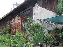 Historická budova fíkovny v areálu zámku v Lysicích