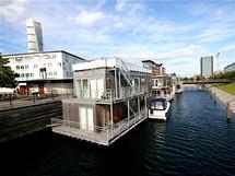 Ještě jiné bydlení, hausbóty na kanále v Malmö