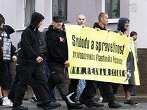 Extremisté demonstrují za propuštění vraha Pechance (24. července 2010)