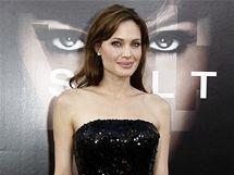 Angelina Jolie na premiéře filmu Salt
