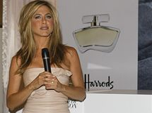 Jennifer Anistonová představila svůj první parfém