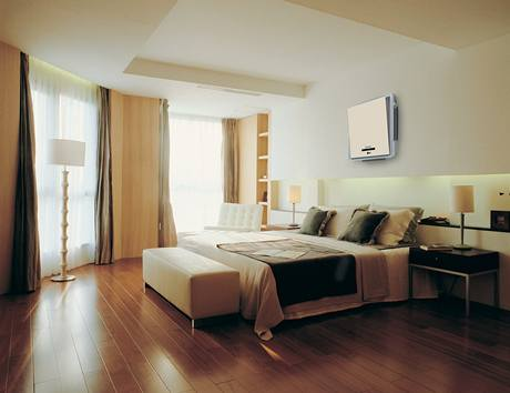 Zejména pro ložnice, kde se má teplota pohybovat kolem 18 °C, bývá klimatiace v místnostech orientovaných na západ často nepostradatelná