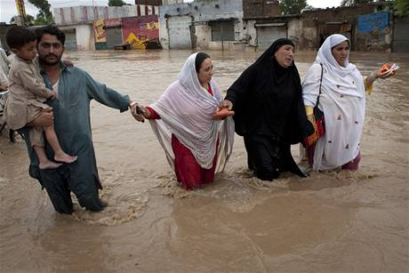 Mnozí lidé přišli při záplavách v Pákistánu o celé živobytí