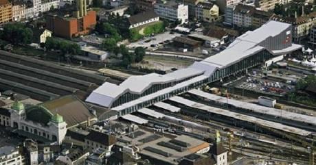 Architekti se při představě nového vzhledu a fungování vlakového a autobusového nádraží inspirovali v Basileji, kde nádraží spojuje čtvrť rozdělenou tratí.