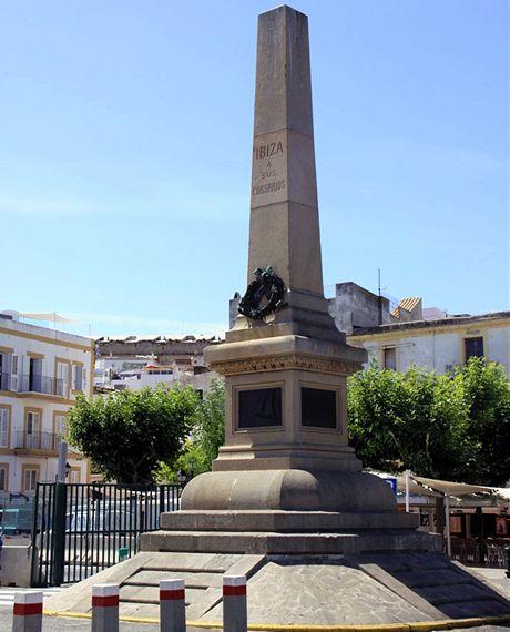 Ibiza, Obelisk korzárů