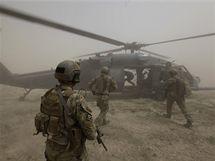 Američtí vojenští záchranáři z 58. záchranné eskadry nedaleko Kandaháru